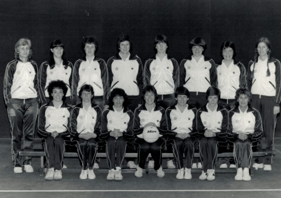 1983 WT Squad and their coaches Joyce Wheeler left, Heather Crouch right