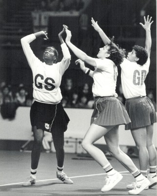 Kendra Lowe (GK) and Sharon Bent (GD) defending a shot for goal | Eileen Langsley
