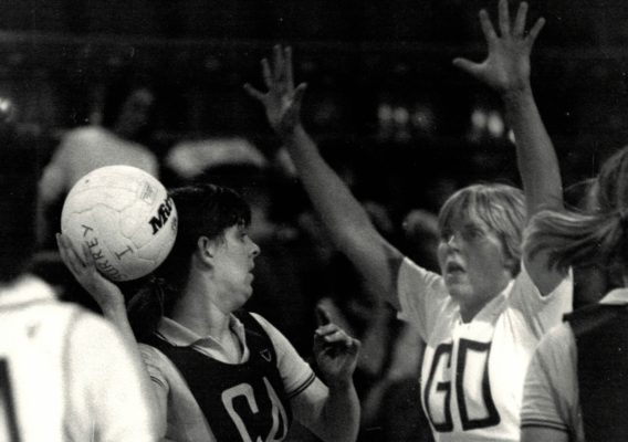 Denise Hunter making a pass under pressure
