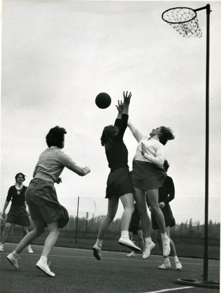 The Polytechnic Netball Club playing at the Chiswick Sports Ground