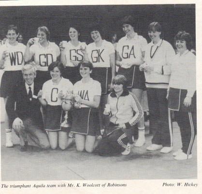 Pictured with Ken Woolcott of Robinsons Back Row from the left: Sue Churchman, Sarah Marriott, Pauline Macleod, Jill Skinner, Cathy Hickey, Chris Crane, Anita Hollman. Front row from left: Ken Woolcott (Robinson Rep), Anabelle Chelinski, Linda Beach, Jan Blanshard.