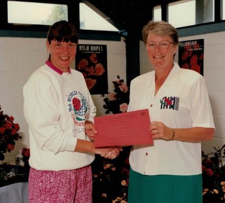 Winner Helen Watt with England Captain Kendra Slawinski