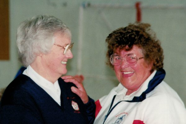 Shelia Perks being presented with her AENA Life Membership by Jean Bourne at the 1999 Regional Championship