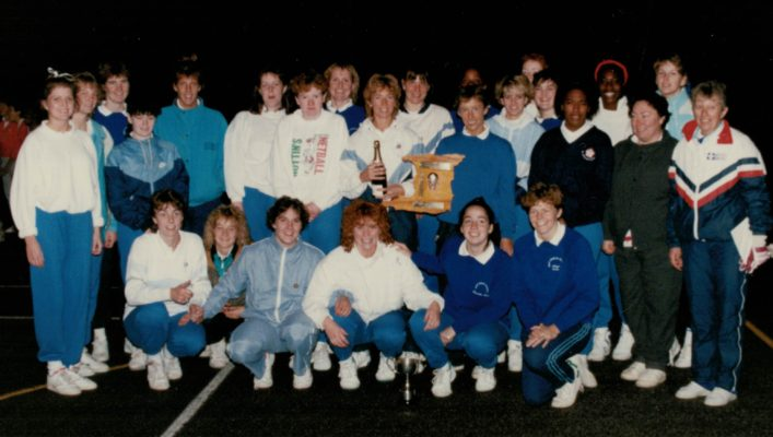 The East Region squad, overall winners Chris Laundy,??Fiona Murtagh,Yvette ….??; ???; Sam Farrell; Justine Saunders; Gill Bickerstaff; Trudy Papafio; Les Jones Middle row: Jackie Gabriel (can't remember maiden name)??/?;???;Jus Saunders;cant pick out next three; Chrissy Brown Front row: Louise Sheridan; ???; Sam Bird; Kendra Lowe;  Jillean Hipsey, ???;  ???