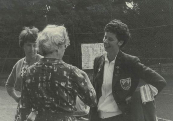 England shooter, Annette Cairncross, right, in happy conversation.