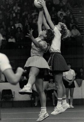 Helen Cadman with both hands on the ball | David Katz