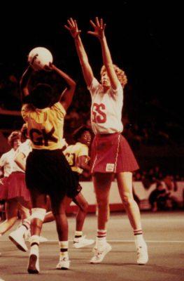 Helen Cadman (GS) defending pass out