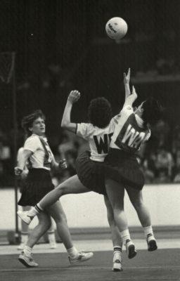 Mid court battle | Juergen Hasenkopf