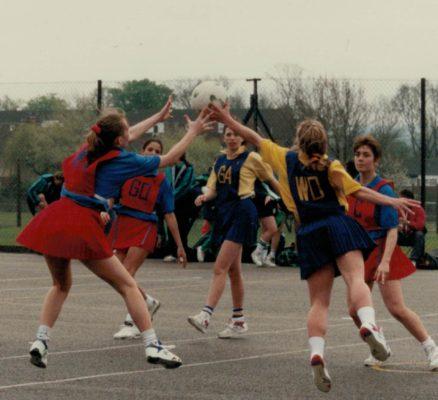 Herts Under 21 (Blue bibs), Norfolk (Red bibs) | Maureen Ball