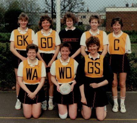 Hertford Hornets Squad including Liz Nicholl (C), Maggie Collins (WA) and Jill Bickerstaffe (GS)