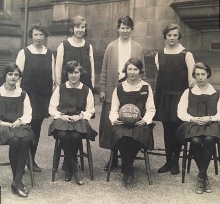 1924-1925: Sheffield Training College Team   Allister Kay
